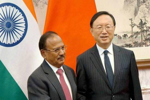 डोकलाम विवाद पर डोभाल के साथ चीन ने की बात, भारत ने सेना हटाने से किया मना