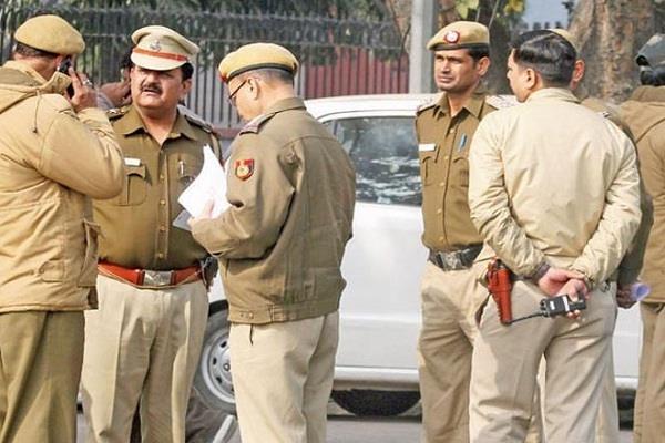 Delhi Police में निकली नौकरी, मास्टर डिग्री धारक छोड़े न यह मौका