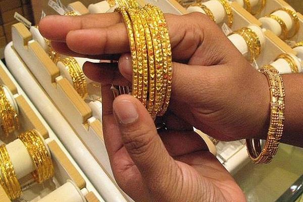 दीवाली से पहले बड़ा धमाका, इतना सस्ता हो सकता है सोना