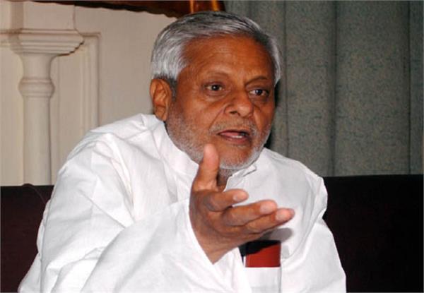जनता को अपने कामों का ब्यौरा दें मोदी और योगी सरकारः सपा