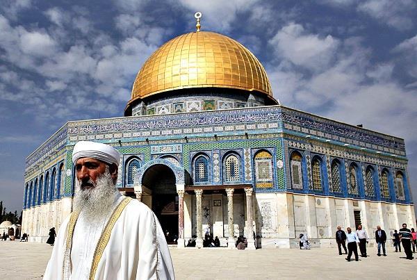 इजरायल ने जायरीनों के लिए खोली अल-अक्सा मस्जिद