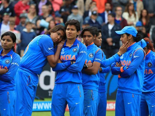 वर्ल्ड कप फाइनल के बाद भारतीय महिला क्रिकेट टीम के लिए दिग्गजों ने किए ये खास Tweet