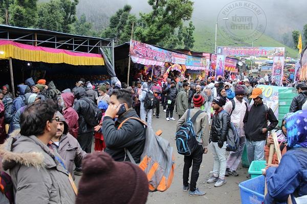 अमरनाथ यात्रा: आतंकी हमले के बाद भी यात्रियों के हौसले बुलंद