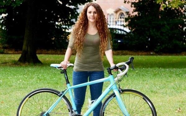 महिला ने चोर से एेसे चुराई अपनी साइकिल  !