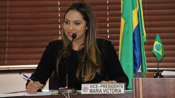 ब्राज़ील: स्वास्थ्य मंत्री की बेटी की शादी में बरसे अंडे !