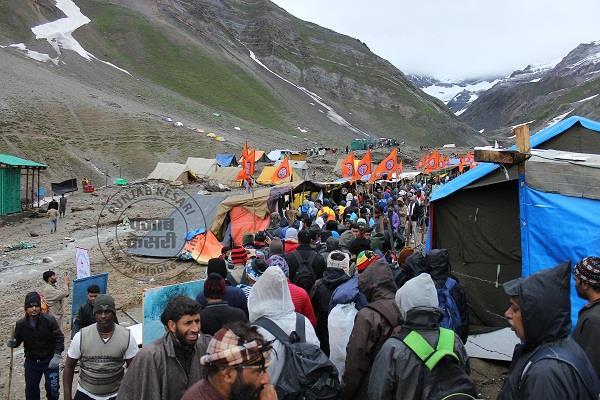 अमरनाथ यात्रा: कड़ी सुरक्षा के बीच 3398 श्रद्धालुओं का नया जत्था रवाना