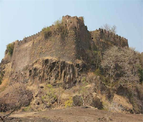 इस रहस्यमयी किले में आज भी दिखाई देता है शिव का अवतार