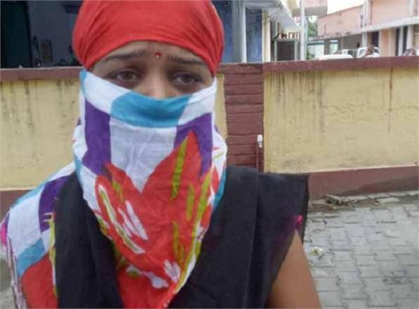 शर्मनाकः पत्नी का अश्लील वीडियो बनाकर पति ने साले से ऐंठ ली लाखों की रकम