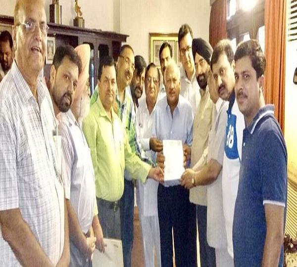 स्वास्थ्य मंत्री ब्रह्म महिन्द्रा ने ड्रग लाइसैंस खोलने का दिया भरोसा