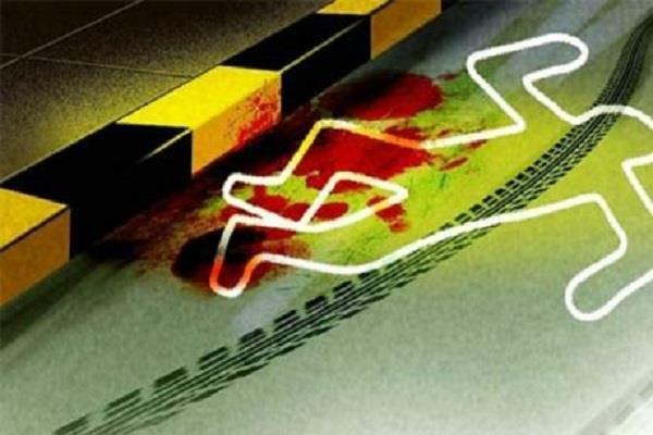 हाई वोल्टतारों की चपेट में आई बस, चालक की मौत