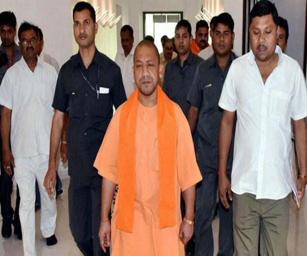 2 दिवसीय दिल्ली दौरे पर CM योगी, अमित शाह से करेंगे मुलाकात