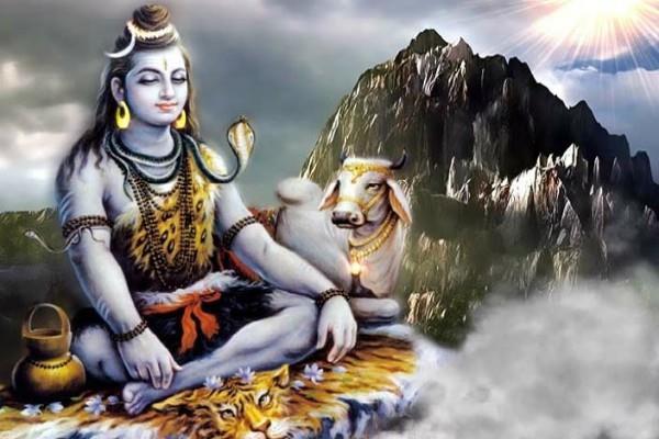 शिव पुराण: खास इच्छापूर्ति के लिए भोग लगाएं ये चीजें, न चढ़ाएं ये सामान