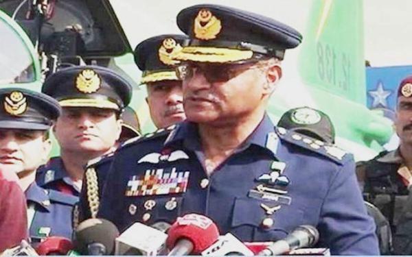 पनामागेट मामलाः नवाज के खिलाफ जांच में सेना की कोई भूमिका नहींः जनरल गफूर