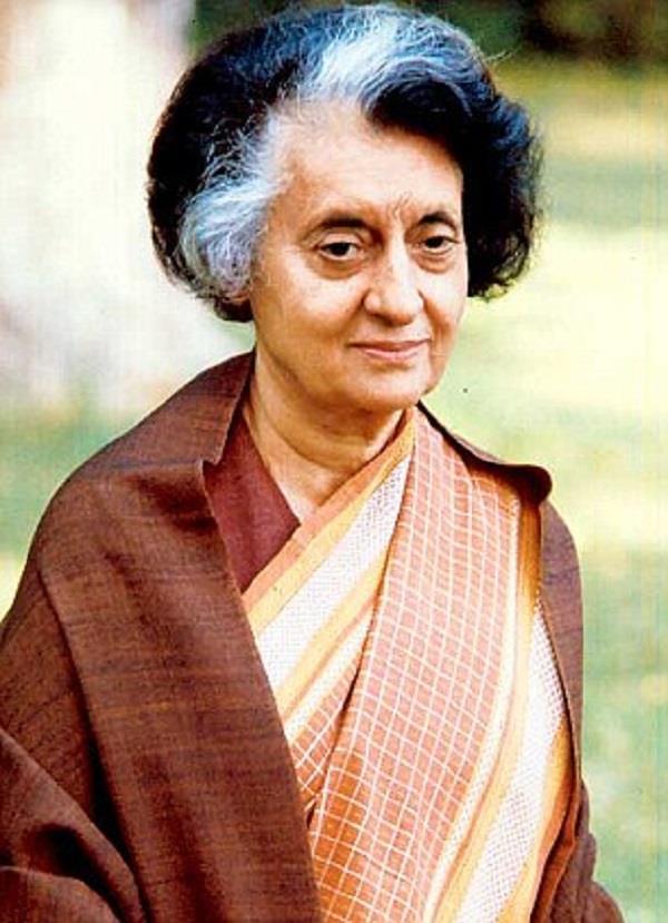 ऑक्सफोर्ड कॉलेज सैंटर से हटा इंदिरा गांधी का नाम