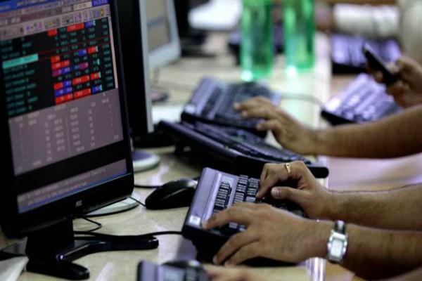 9 कंपनियों का बाजार पूंजीकरण बढ़ा