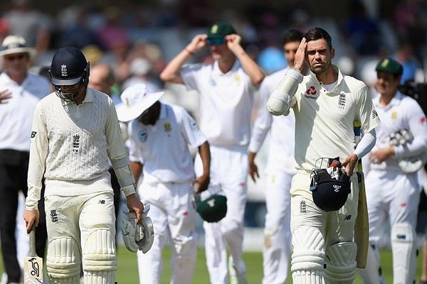 दिग्गज क्रिकेटरों ने की इंग्लैंड की कड़ी आलोचना