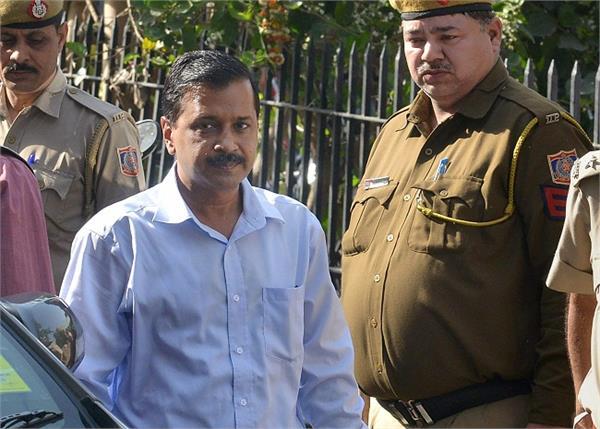 NGT की दिल्ली सरकार काे फटकार, अादेश के बावजूद क्याें दर्ज नहीं कराई रिपाेर्ट?