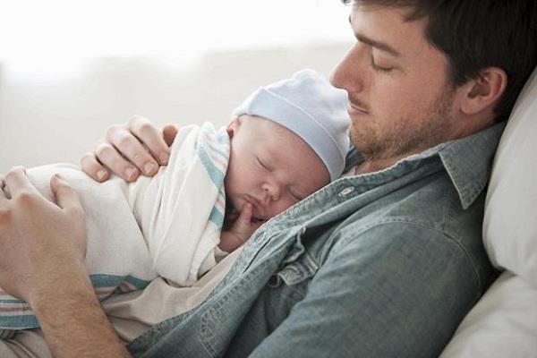 पिता बनने पर 3 महीने की पैटर्निटी लीव देगी यह IT कंपनी