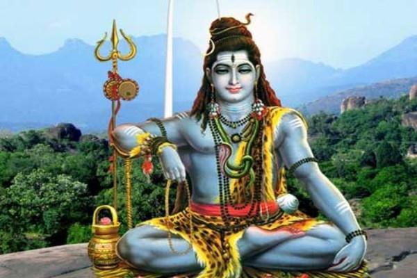 सावन माह: शिव आराधना की सबसे महत्वपूर्ण विधि से करें पूजन, प्रसन्न होंगे महादेव