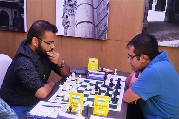 कॉमनवैल्थ शतरंज - अभिजीत नें पलटी बाजी ,वैभव को हरा शीर्ष पर पहुंचे