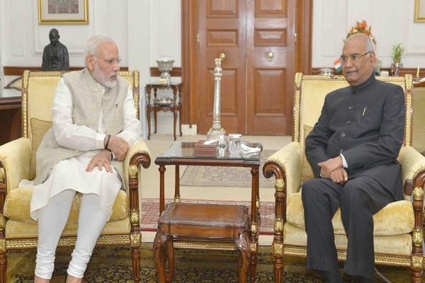 PM मोदी ने राष्ट्रपति रामनाथ कोविंद से की मुलाकात