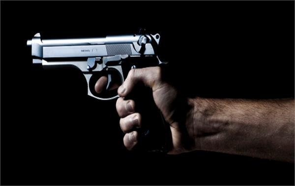 प्यार में अंधे पुलिसवाले ने गर्लफ्रेंड लिए पत्नी को दी दर्दनाक मौत!