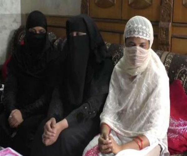 OMG! बेटी को पढ़ाने के लिए पत्नी ने मांगी इजाजत तो शौहर ने दिया 'तलाक'