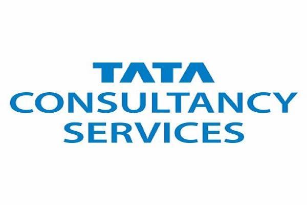 TCS का मुनाफा 3.4% घटा, आय मामूली घटी