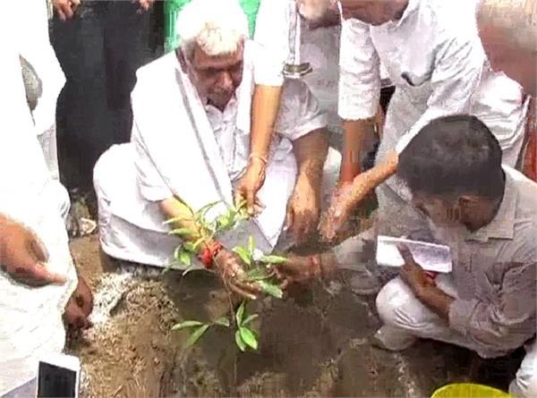 इस मंत्री ने किया नीम का पेड़ लगाने का आह्वान, कहा- नीम का पेड़ लगाओ 50 हजार कमाओ