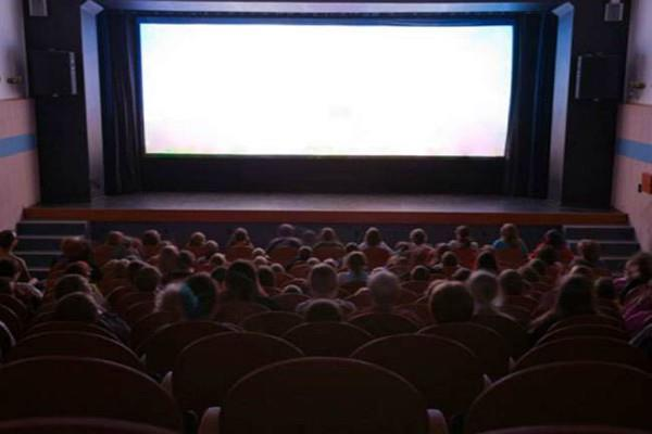 विवादित दक्षिण चीन सागर के द्वीप पर अब फिल्में दिखाएगा ड्रैगन