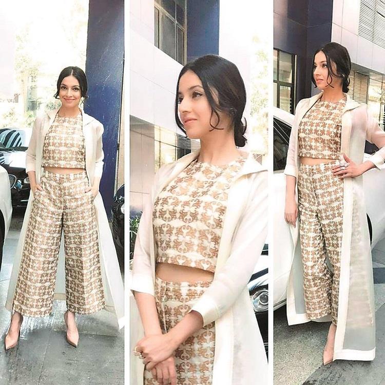ट्रैडीशनल ही नहीं वेस्टर्न में भी खूब देखने को मिल रहा है Banarasi फैशन