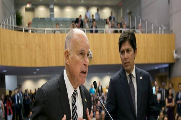 कैलिफोर्निया के सांसदों के हाथों में जलवायु कानून के भविष्य पर फैसला