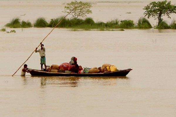 गुजरात: भारी बारिश से 9 लोगों की मौत