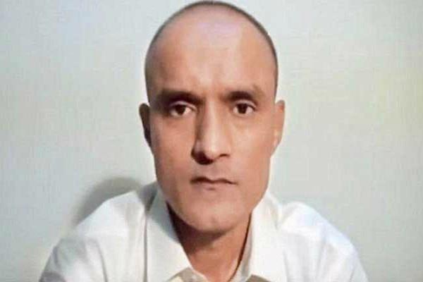 पाकिस्तान की सैन्य अदालत ने कुलभूषण जाधव की दया याचिका की खारिज