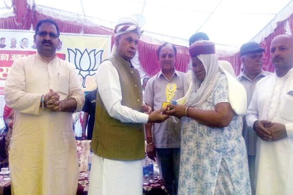 धूमल बोले-BJP की सरकार बनने पर शहीदों के नाम पर होगा यह काम