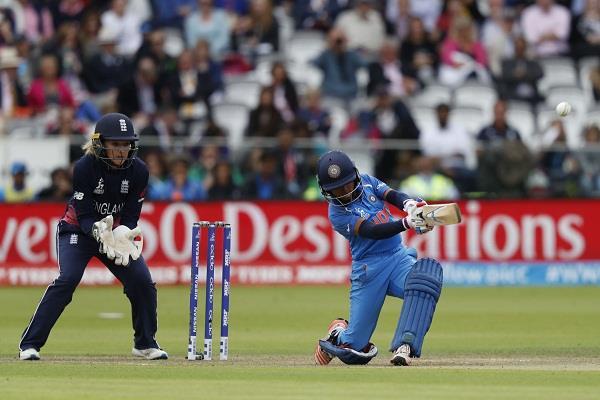 विश्व कप फाइनल में हारा भारत, इंग्लैंड चौथी बार बना चैंपियन