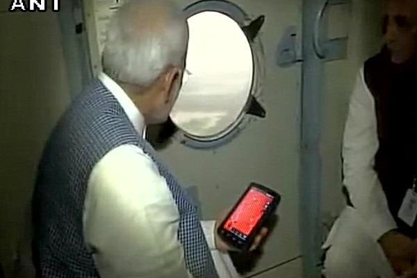 PM मोदी ने गुजरात में बाढ़ प्रभावित इलाकों का लिया जायजा, 500 करोड़ की मदद का ऐलान