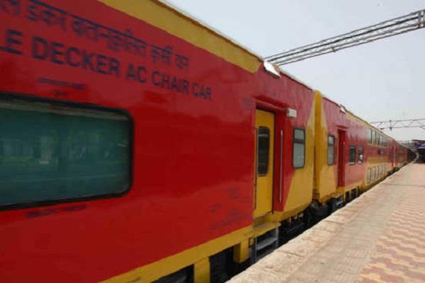 अब त्योहारों की छुट्टियों में ट्रेन की टिकट के लिए नहीं होगी मारामारी