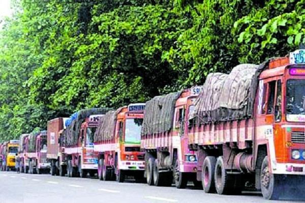 पंजाब सरकार द्वारा ट्रक यूनियनों पर लगाई गई रोक को वापस लेने से साफ इन्कार
