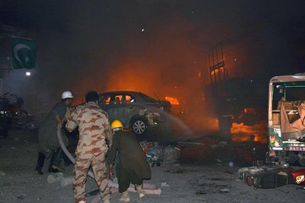 Image result for पाकिस्तान: सड़क किनारे हुए विस्फोट में 6 की मौत