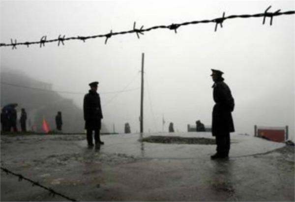 भारत-चीन में तनातनी और बढ़ी, डोकलाम सीमा पर गांव खाली करने के आदेश