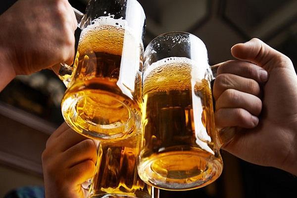 मंत्रिमंडल ने हटाया प्रतिंबध, सड़क किनारे होटल-रेस्तरां में अब परोसी जा सकेगी शराब