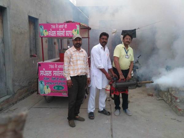 डेंगू प्रभावित इलाकों में फॉगिंग करवाई