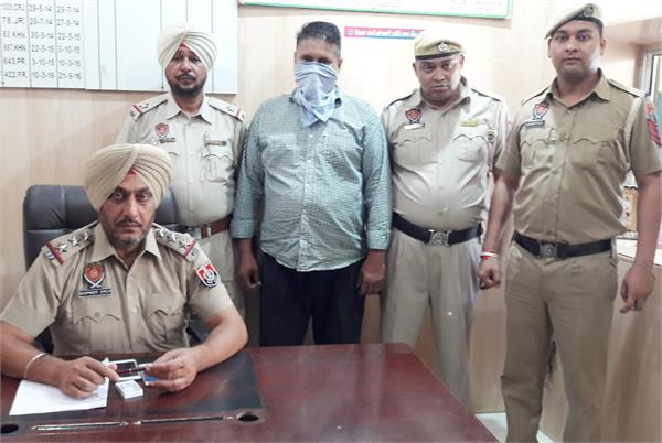 10 किलो भुक्की सहित ट्रक चालक गिरफ्तार