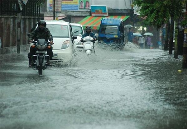 उत्तराखंण्ड में भारी बारिश के चलते कई मार्ग बाधित