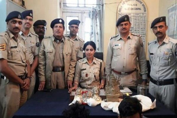 24 घंटे में सुलझा शिरगुल मंदिर चोरी मामला, करोड़ों की मूर्तियां समेत 2 गिरफ्तार