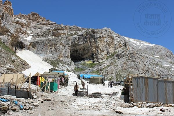 39 000 pilgrims reach more than last year during amarnath yatra