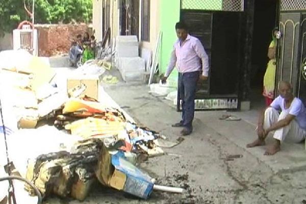 सेंटरी गोदाम में लगी आग, 20 लाख रुपए का नुकसान