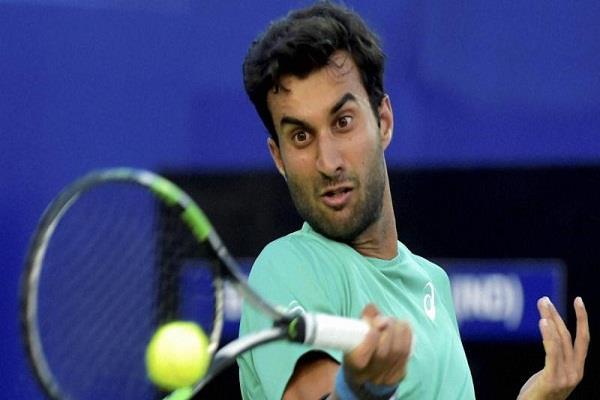 भांबरी ने ATP सिटी आेपन में मोंफिल्स को दी करारी हार