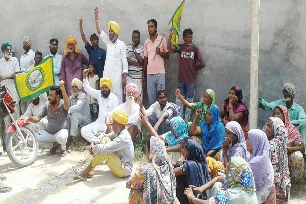 किसानों-मजदूरों ने उड़ाए पावर कॉम के फ्यूज